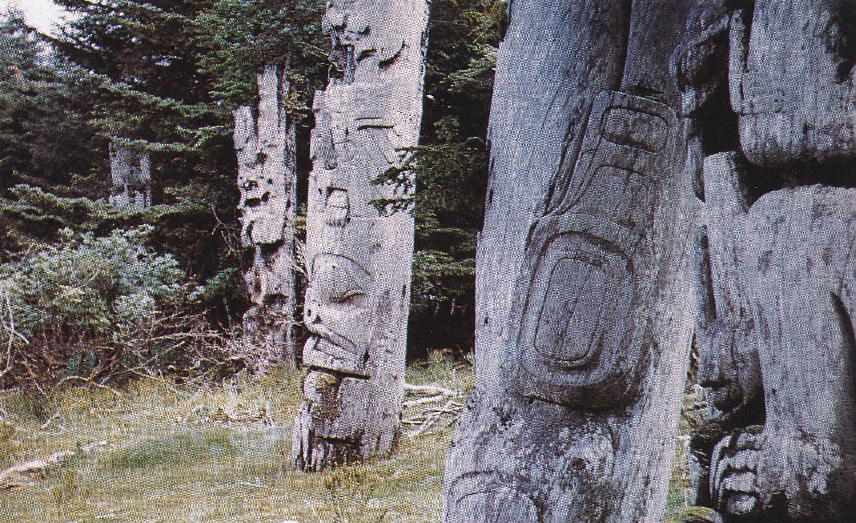 Totems Haida
