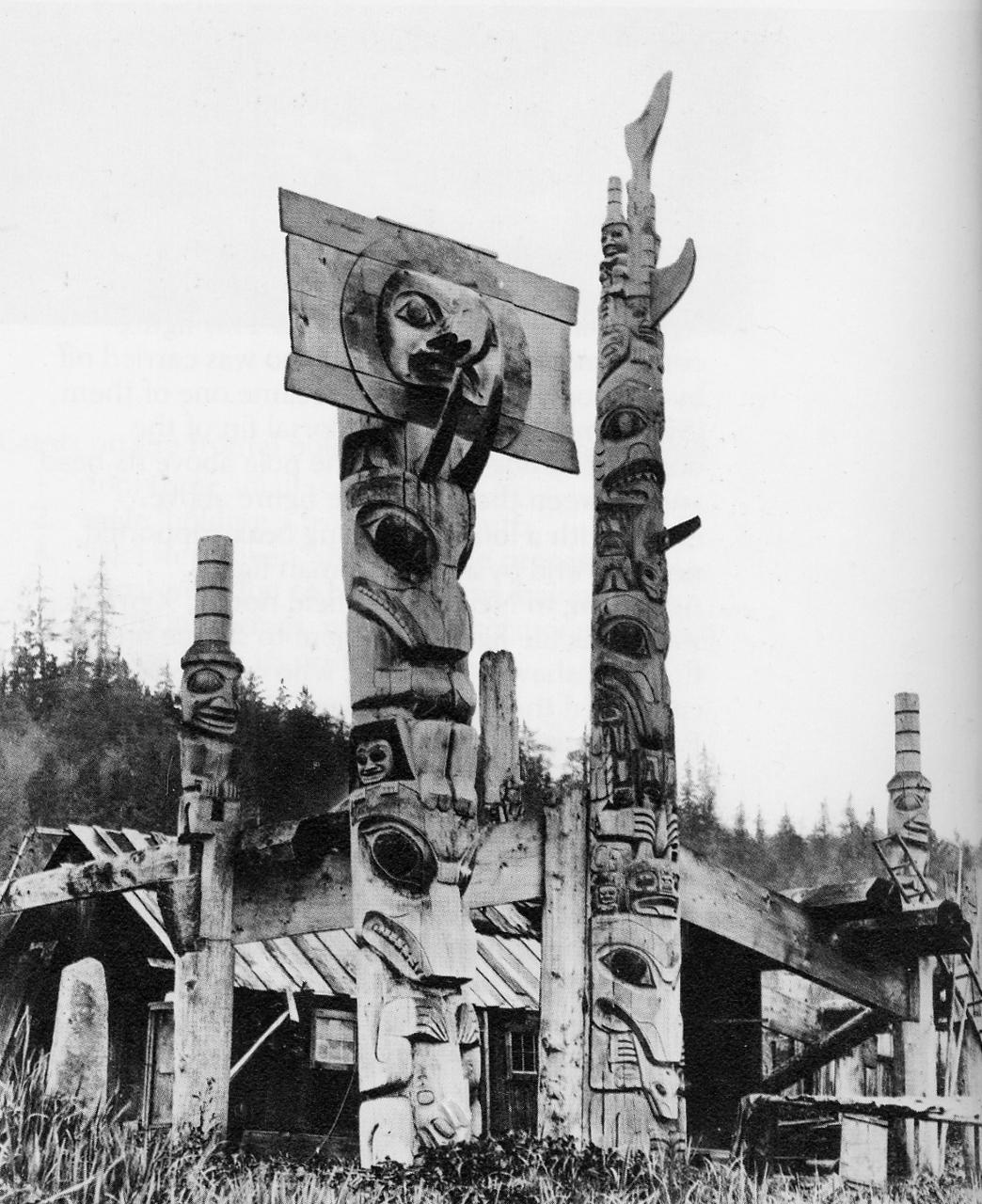 Maisons et totems Haida